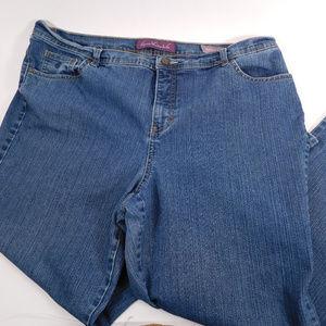 Gloria Vanderbilt Amanda Jeans 18W CL2058 1019